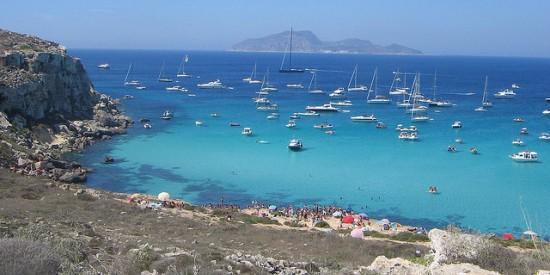 how to get to Cala Rossa Favignana