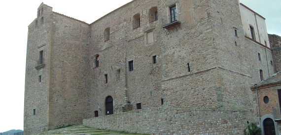 castles of Sicily: Castelbuono
