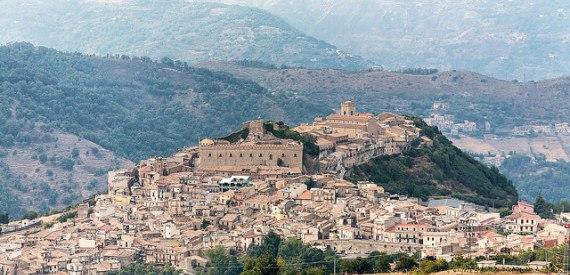 castles of Sicily: Montalbano Elicona
