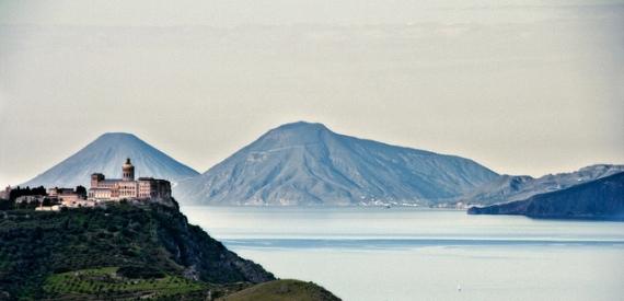 Eolie da Catania e Messina