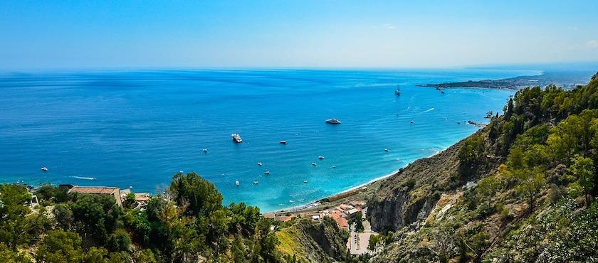 quali traghetti vanno in Sicilia