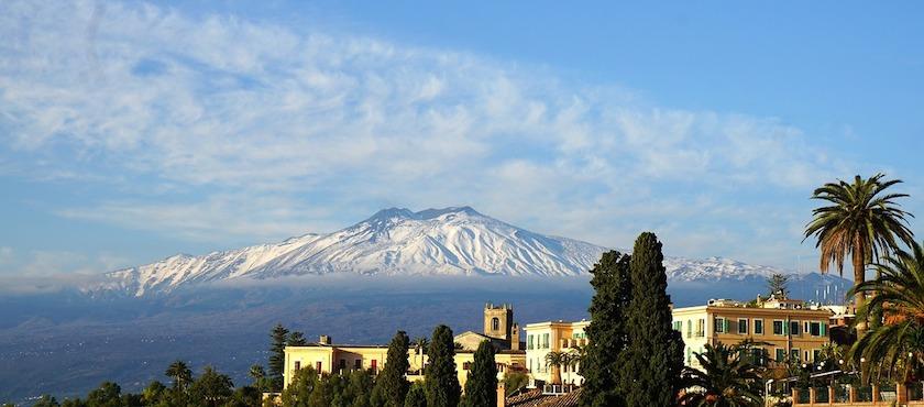 Sicilia: in traghetto o in aereo?